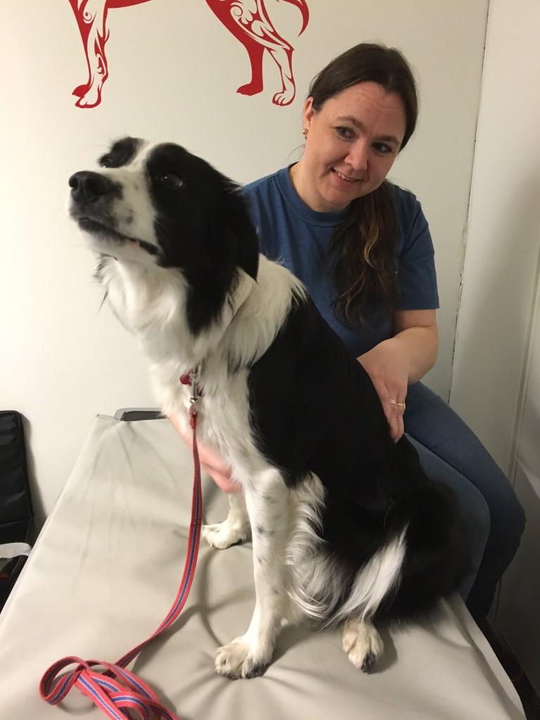Jess lærer seg å nyte en massasje. Hun visste ikke helg hva hun skulle gjøre med, men skjønte etter hvert at det bare var å sitte og ta imot :)